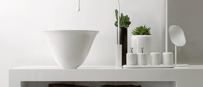 Gessi Goccia white vessel and white deck faucet