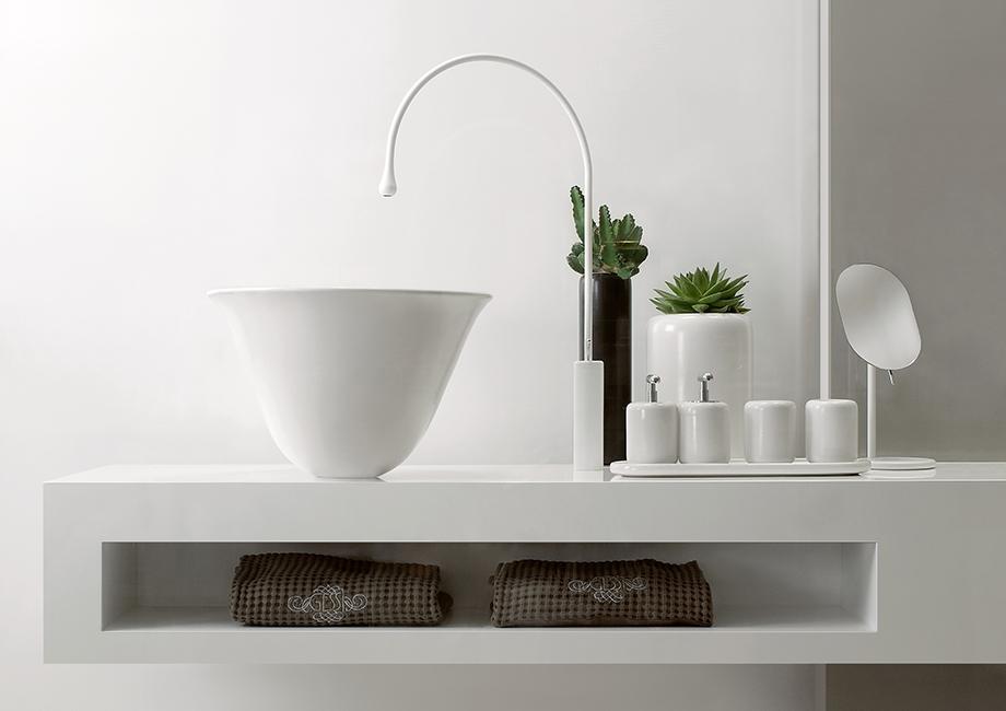Gessi Goccia white vessel and white deck faucet | Stona